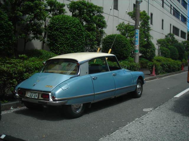 街で見かけた車